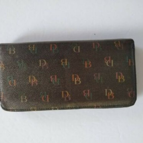 Dooney and Bourke Signature Large Wallet Fashion